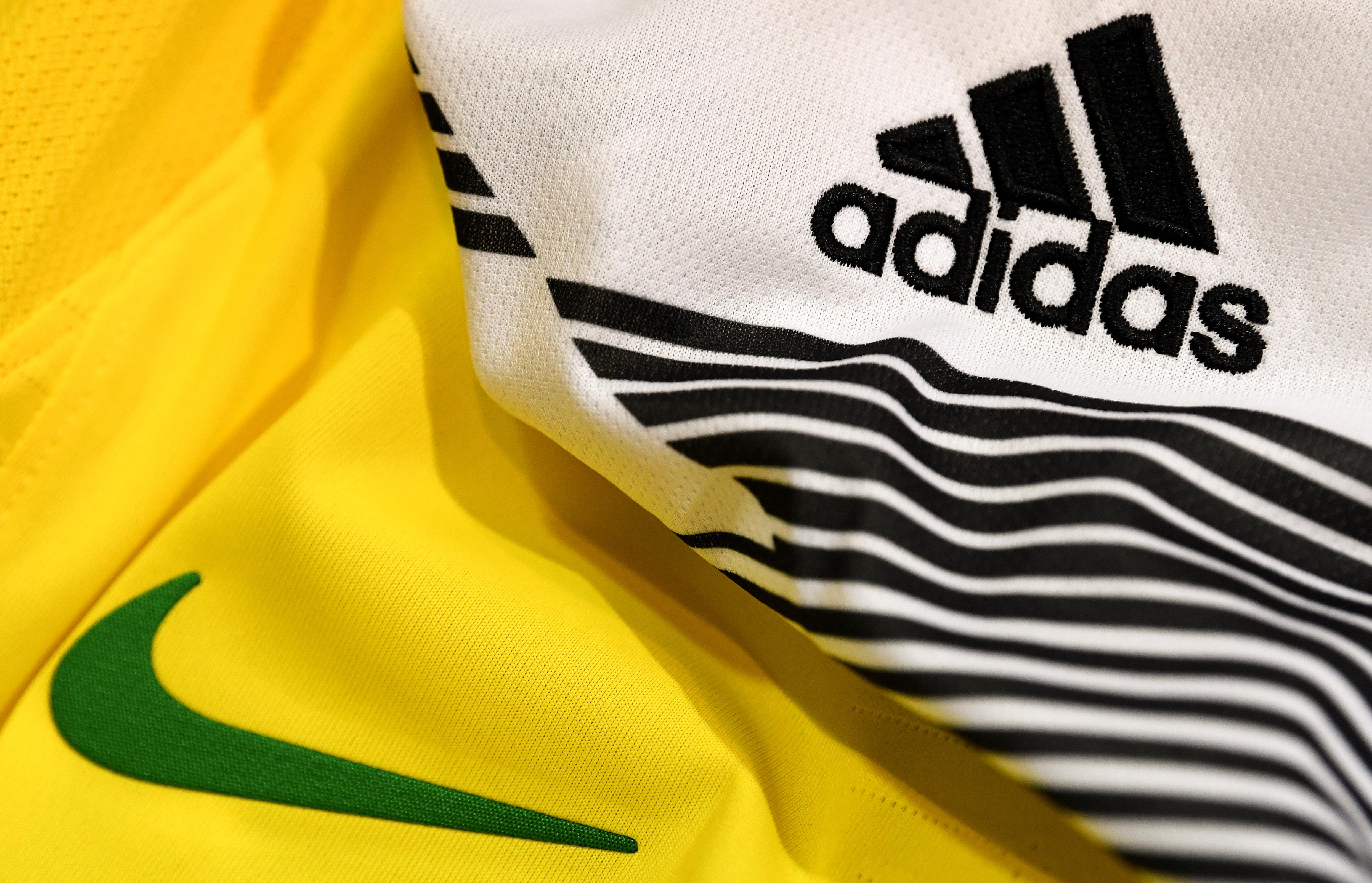 Adidas Font Style 2008   Camisetas de fútbol, Letras y Camisetas