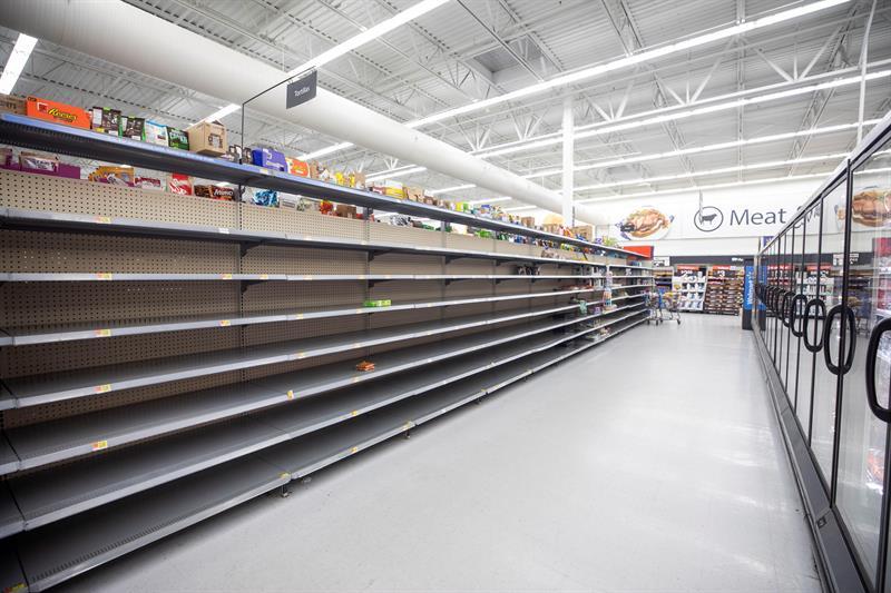 Así lucen los estantes en un súper mercado de Wilmington, Carolina del Norte.