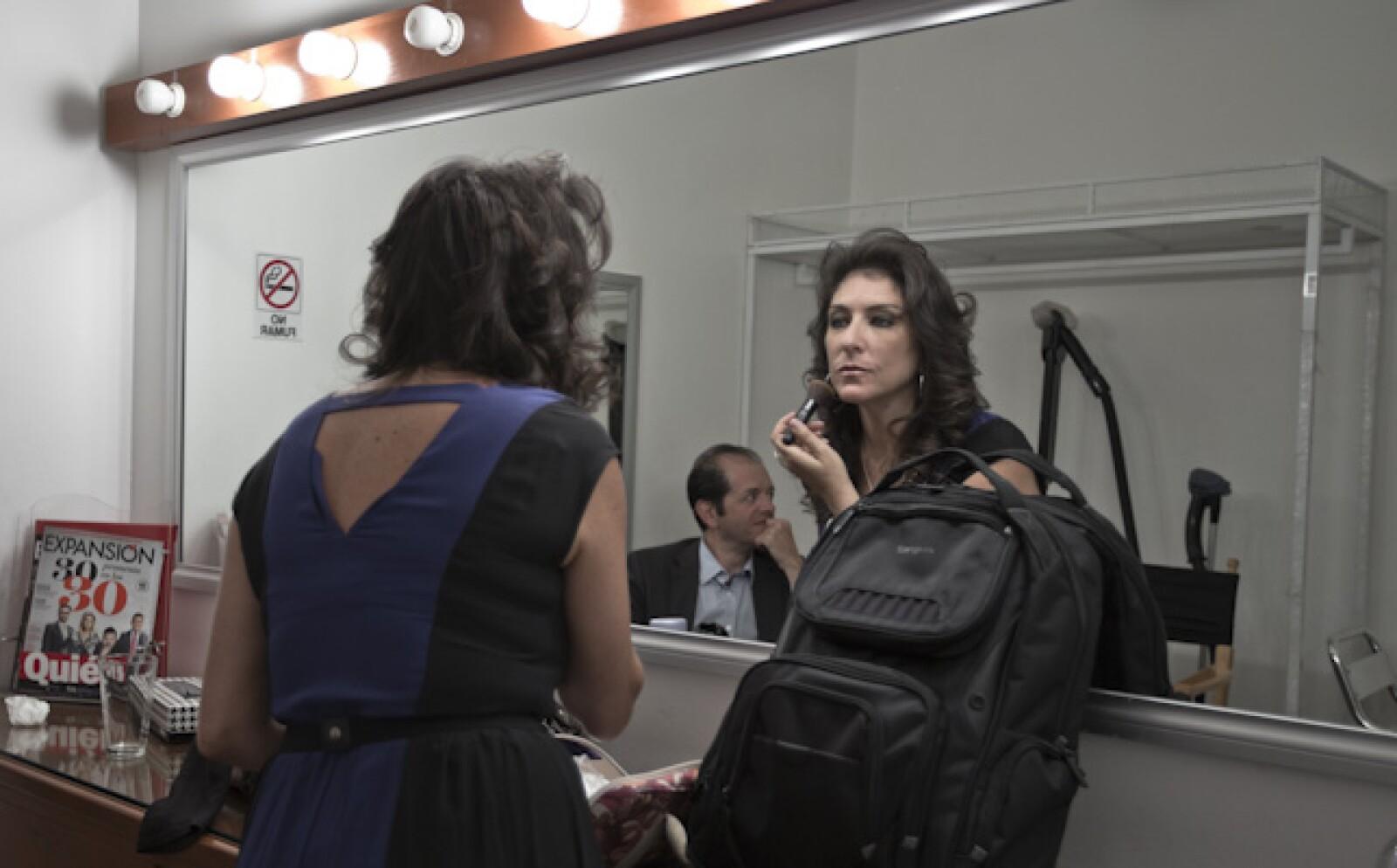 Tanya Moss, finalistas en la categoría de más de tres años, se prepara para la sesión de fotos en las instalaciones de la revista Expansión.