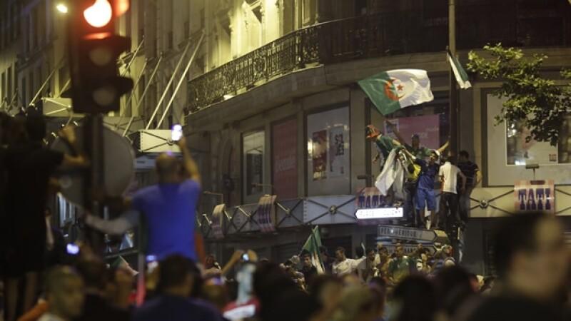 Argelia festejos en Francia