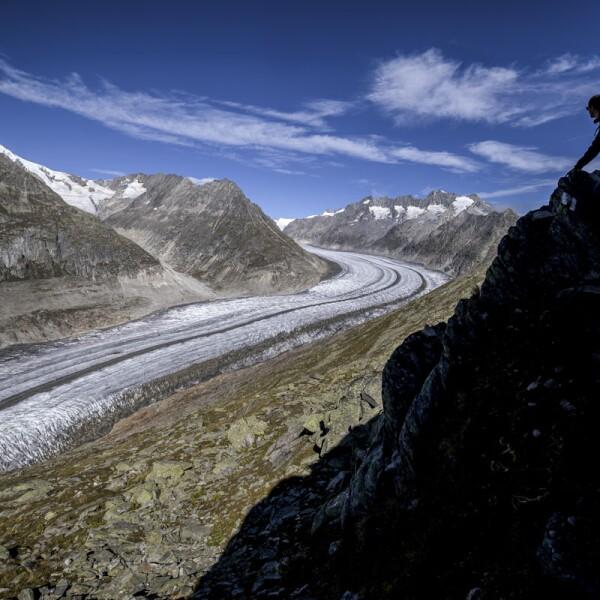 SWITZERLAND-CLIMATE-ENVIRONMENT-GLACIERS-TOURISM-MOUNTAINS