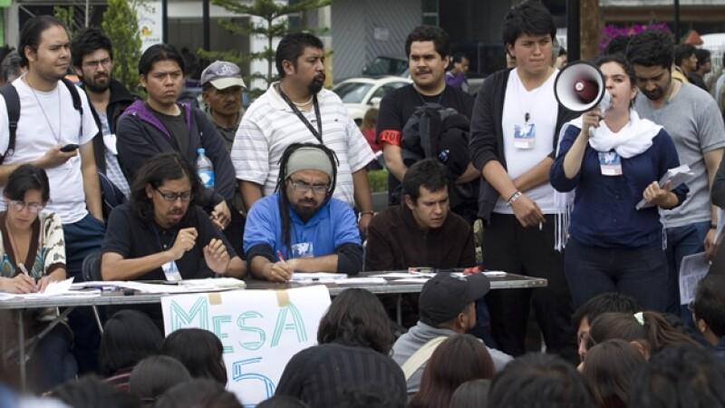 YoSoy132 en la Convención Nacional contra la Imposición en Atenco