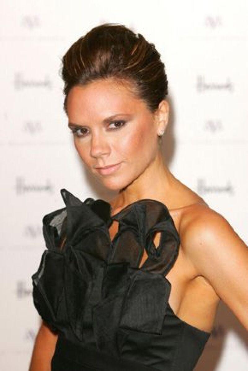 La cantante ha decidido mudarse a Milán con su esposo porque teme que el futbolista tenga mucho contacto con otras mujeres.