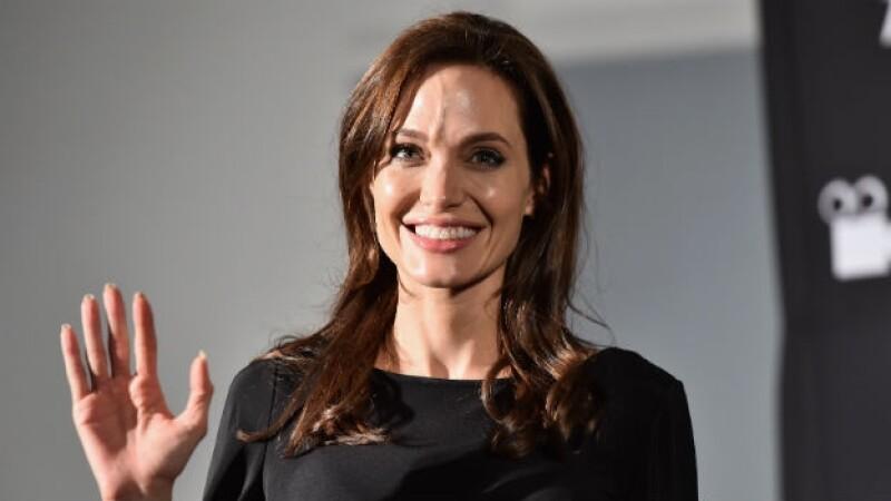 La actriz dirigió la película 'Invencible' que se estrenará el día de navidad en EU
