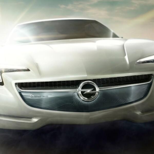 Este diseño cuenta con una propulsión eléctrica de baterías en recorridos de hasta 60 km – sin emisiones de CO2 ni de escape – y una autonomía total de más de 500 kms. El consumo medio estimado de combustible sería de 1.6 litros cada 100 km y las emisione