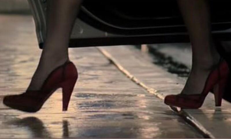Los zapatos prada de Meryl, con los que entra en escena.