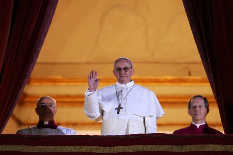 El momento en el que el Papa Francisco se presentó ante el mundo.