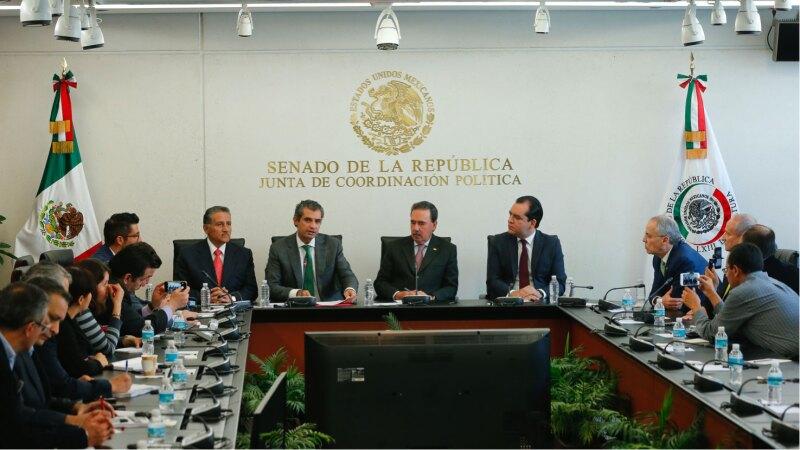 Enrique Ochoa y Emilio Gamboa