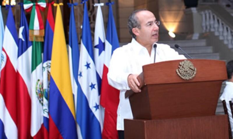 El presidente Felipe Calderón propuso que el fondo para infraestructura se llame Acuerdo de Yucatán. (Foto: Cortesía Presidencia de la República)