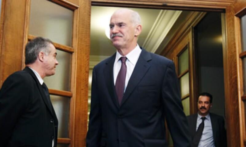 El primer ministro George Papandreou propuso un referéndum para aprobar nuevas condiciones económicas y financieras. (Foto: Reuters)