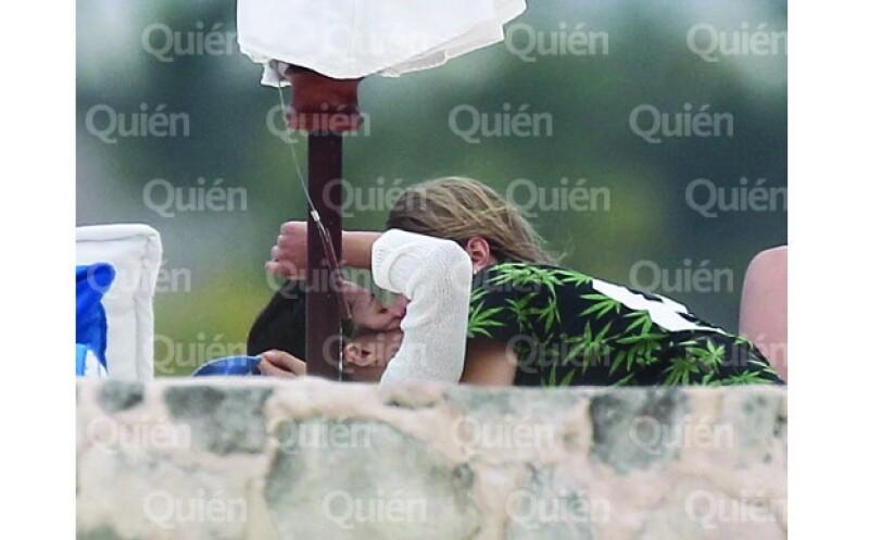 Esta es la primera vez que Cara y Michelle son vistas dándose un beso.