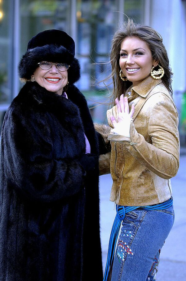 Yolanda Miranda Mange y Thalía.