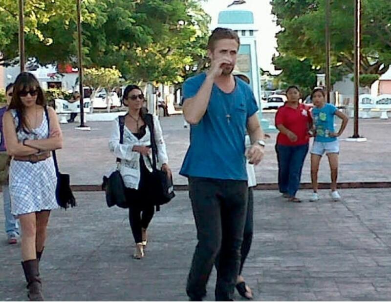 Según informaron medios locales, Rooney Mara y Michael Fassbender también estuvieron  hoy  en el puerto de Progreso y zonas aledañas filmando escenas de la próxima película de Terrence Malick.