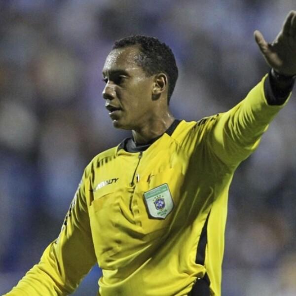 El club Esportivo descendió en abril pasado luego de que un tribunal de Brasil decidiera quitarle puntos por insultos racistas de sus aficionados al árbitro Marcio Chagas