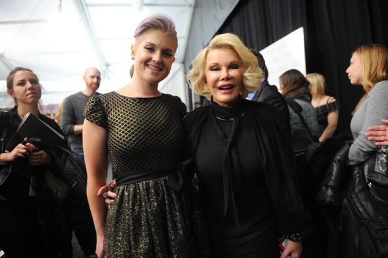 Kelly dijo estar destrozada por el crítico estado de salud de su querida Joan Rivers.