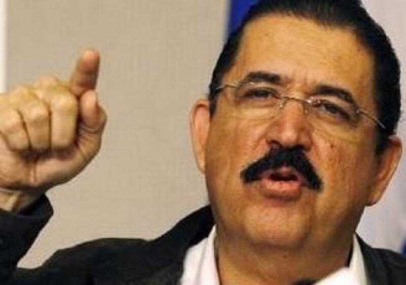 Zelaya dijo que regresaría acompañado de varios presidentes. (Foto: Reuters)