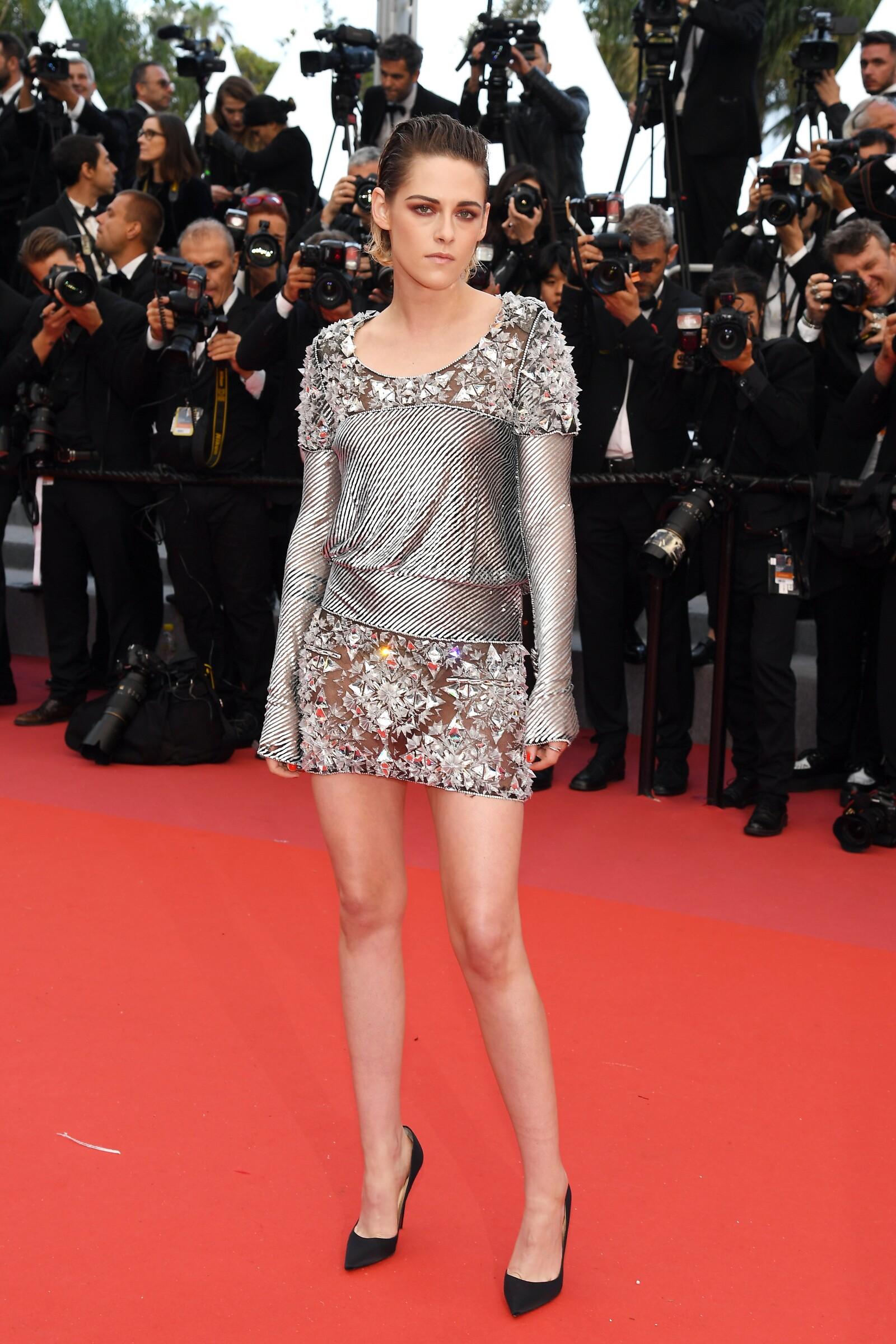"""Kristen Stewart usando Chanel para la premiere de """"BlacKkKlansman"""" en la edición 71 del Festival de Cannes"""