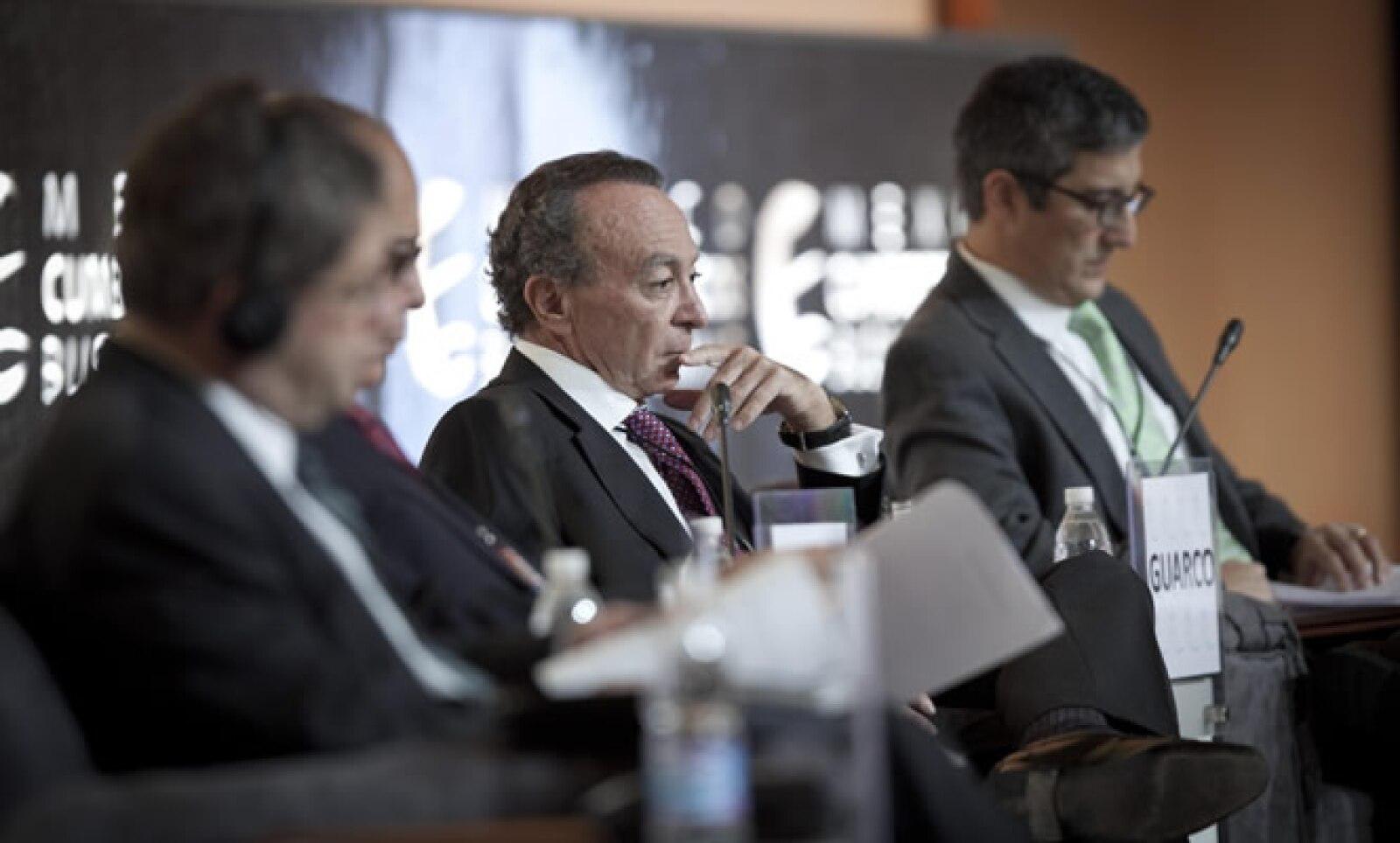 Si no hay un acuerdo político en Estados Unidos para solucionar el precipicio fiscal, lo más seguro es que esa economía entrará en recesión, dijo Guillermo Ortiz