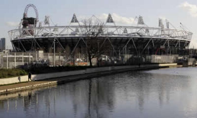 Las autoridades necesitan alquilar el estadio a un club de futbol para no desperdiciarlo. (Foto: AP)