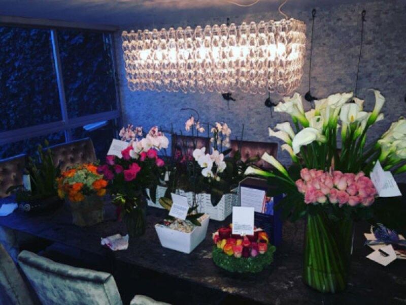 El actor argentino recibió muchas flores por su cumpleaños 41.