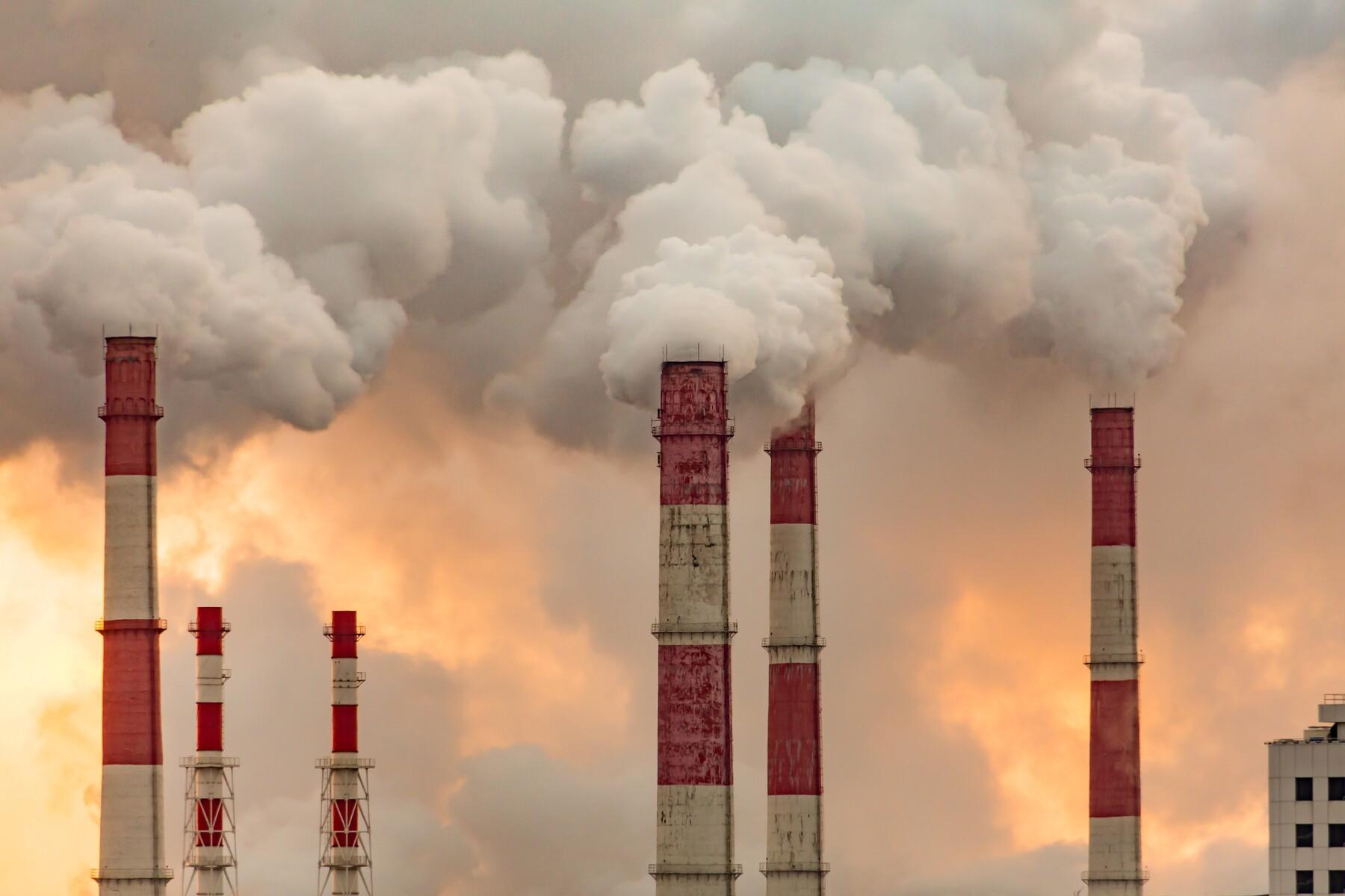 Jeanett Trad, de Hogan Lovells llamó a las empresas que frenaron sus actividades por la contingencia a utilizar las plataformas digitales para cumplir con sus obligaciones ambientales.