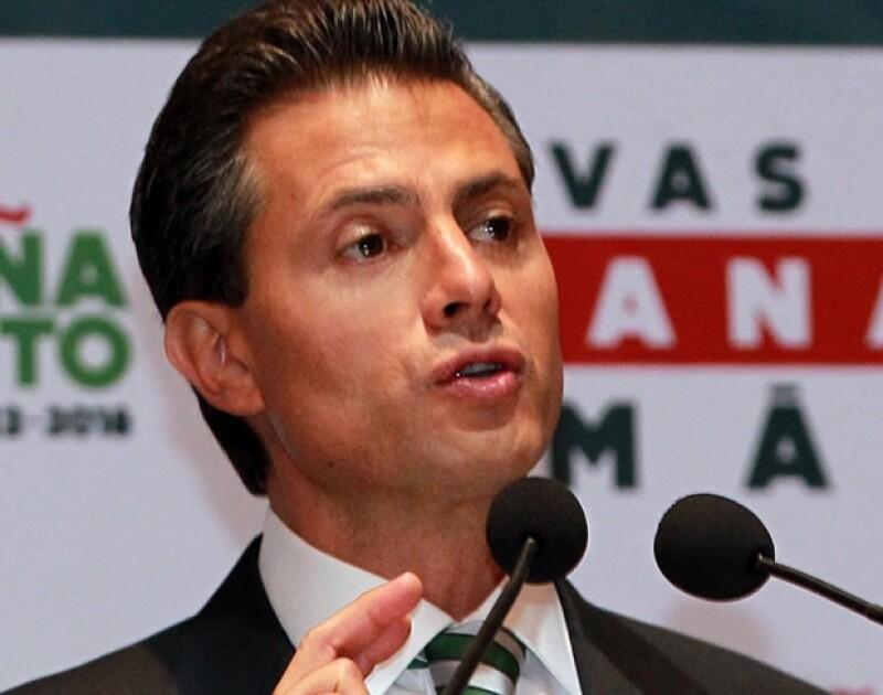 El candidato presidencial de la coalición Compromiso por México, Enrique Peña Nieto, ofreció una conferencia de prensa al termino del segundo debate de candidatos a la Presidencia.