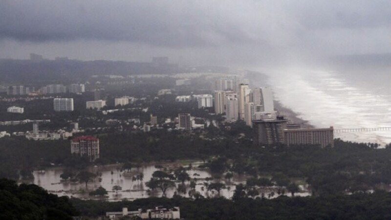 acapulco puerto tormentas