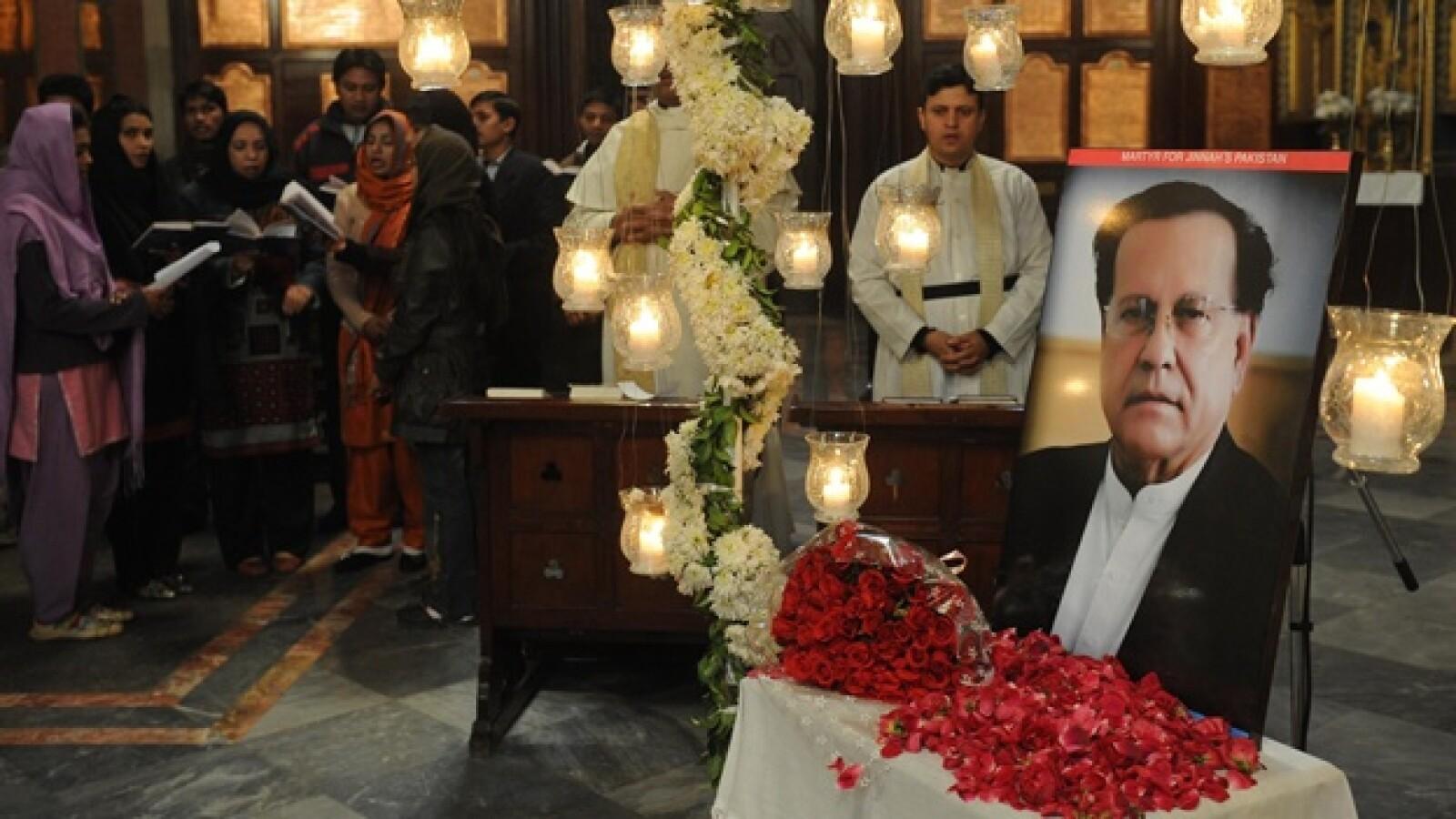 Pakistán - gobernador asesinado