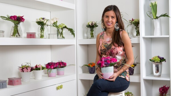 Flor de Limonero es un concepto que Alejandra Chedraui junto con su socia Xóchitl de la Vega crearon para que a través de las flores se cuenten historias.