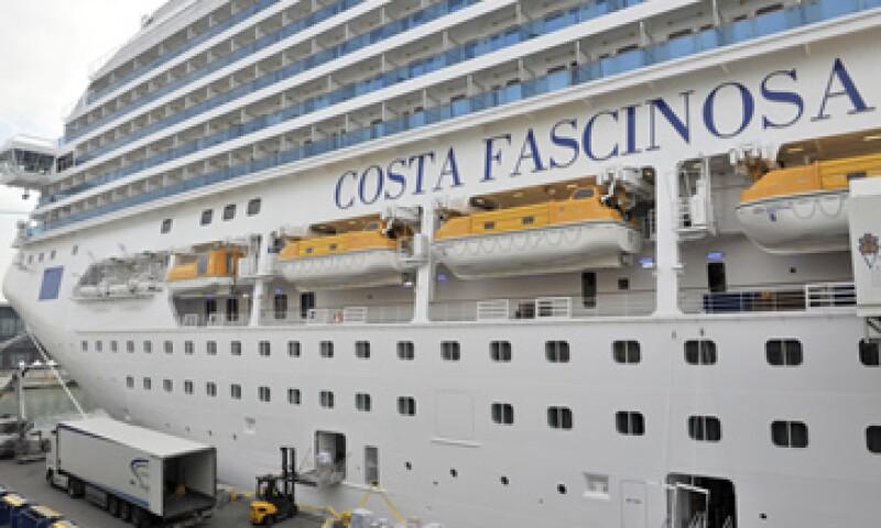 La empresa anunció las nuevas medidas en la presentación de su nueva embarcación, el Costa Fascinosa. (Foto: AP)
