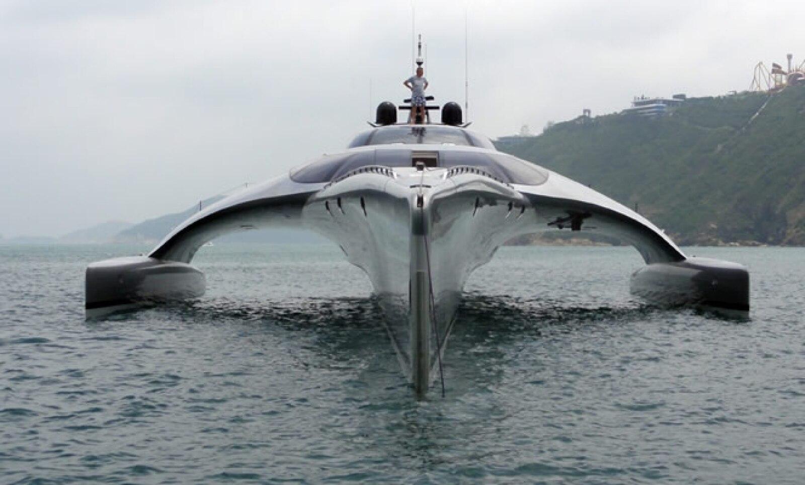 Su diseño, que remite a una nave espacial, corre a cargo de la firma John Shuttleworth Yacht Designs Ltd.