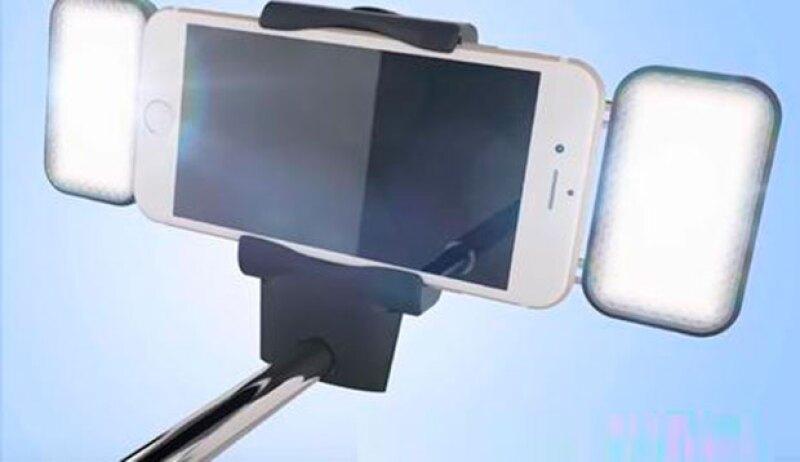 ¿Las selfies perfectas son tu adicción? Querrás tener uno de estos ahora mismo.