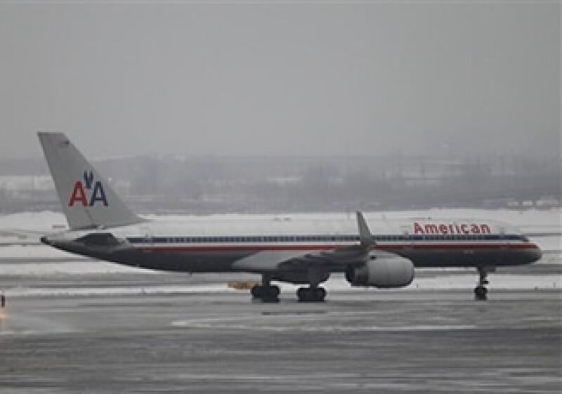Los vuelos de American Airlines de más de 2,400 kilómetros fueron encarecidos en 60 dólares por viaje. (Foto: AP)