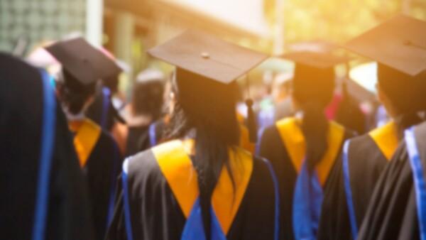 Recién graduado-empleo