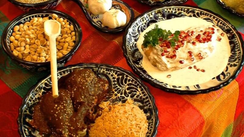 mole comida mexicana gastronomía guerra de los moles