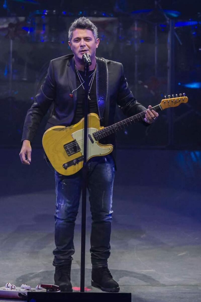 El cantante ofreció un par de conciertos en Guadalajara y la Ciudad de México.