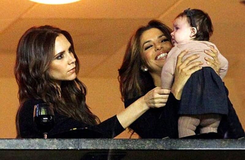 La actriz de `Desperate Housewives´ pasó una tarde agradable cuidando a la hija de Victoria Beckham, quien es una de sus mejores amigas.