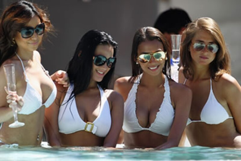 Modelos, botellas de champaña, personajes de la realeza, oh, y conductores de la Formula Uno están en el Gran Premio de Mónaco. (Foto: tomada de CNNMoney.com )