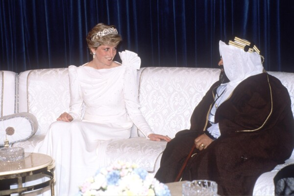 British royals on a royal tour of the Gulf States - Nov 1986