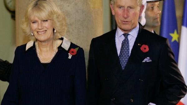 Durante una entrevista para una cadena de televisión estadounidense el Príncipe dijo que si el subía al trono su esposa sería Reina Consorte.