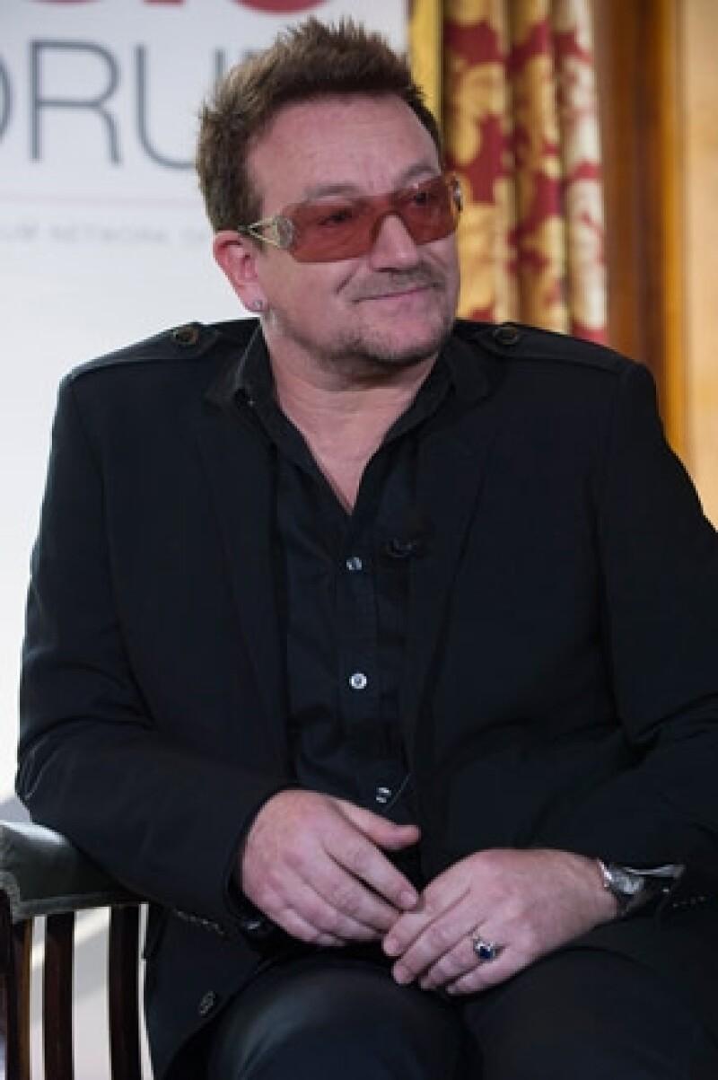 """El presidente de México se encuentra en Nueva York por motivos de trabajo; ahí iba a entregarle al cantante de """"U2"""" la Orden Mexicana del Águila Azteca, sin embargo el vocalista no acudió."""
