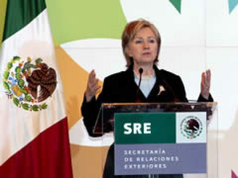 Clinton realiza una visita a México, previa a la que realizará Barack Obama el 16 y 17 de abril. (Foto: Reuters)