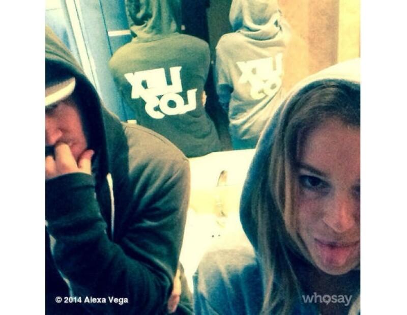 Con esta foto, la pareja demostró sus nervios y emoción antes de su viaje a México.