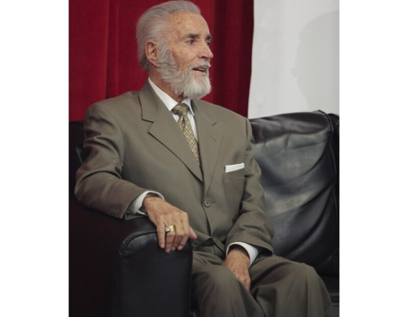 El hijo del actor, Martín Méndez, indicó que a través de Silvia Pinal el máximo recinto de cultura podría recibir las cenizas de su padre; la ANDA le rinde tributo mañana.