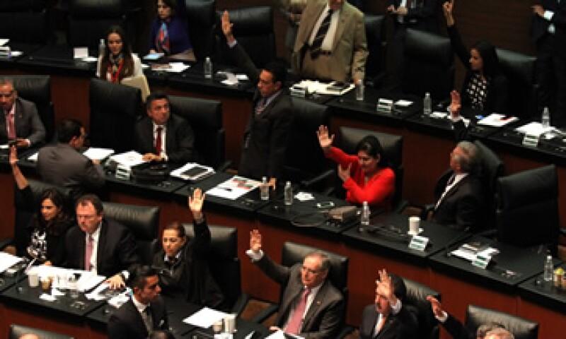 Se aprobó que el Banxico contribuya a disminuir la deuda pública. (Foto: Cuartoscuro/Archivo)