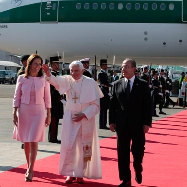 Por tratarse de una visita de Estado, el Sumo Pontífice fue recibido por la primera familia.