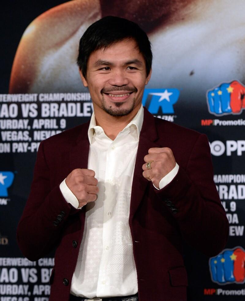 El boxeador se integró ayer al Senado de su país y, se dice, entre sus planes futuros estaría buscar la presidencia.