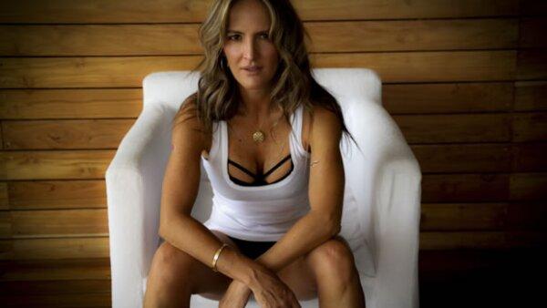 Laura García Ancira, ha creado un sistema de entrenamiento físico que combina las técnicas más avanzadas para mejorar tu estilo de vida, condición física y obtener el cuerpo que siempre has querido.