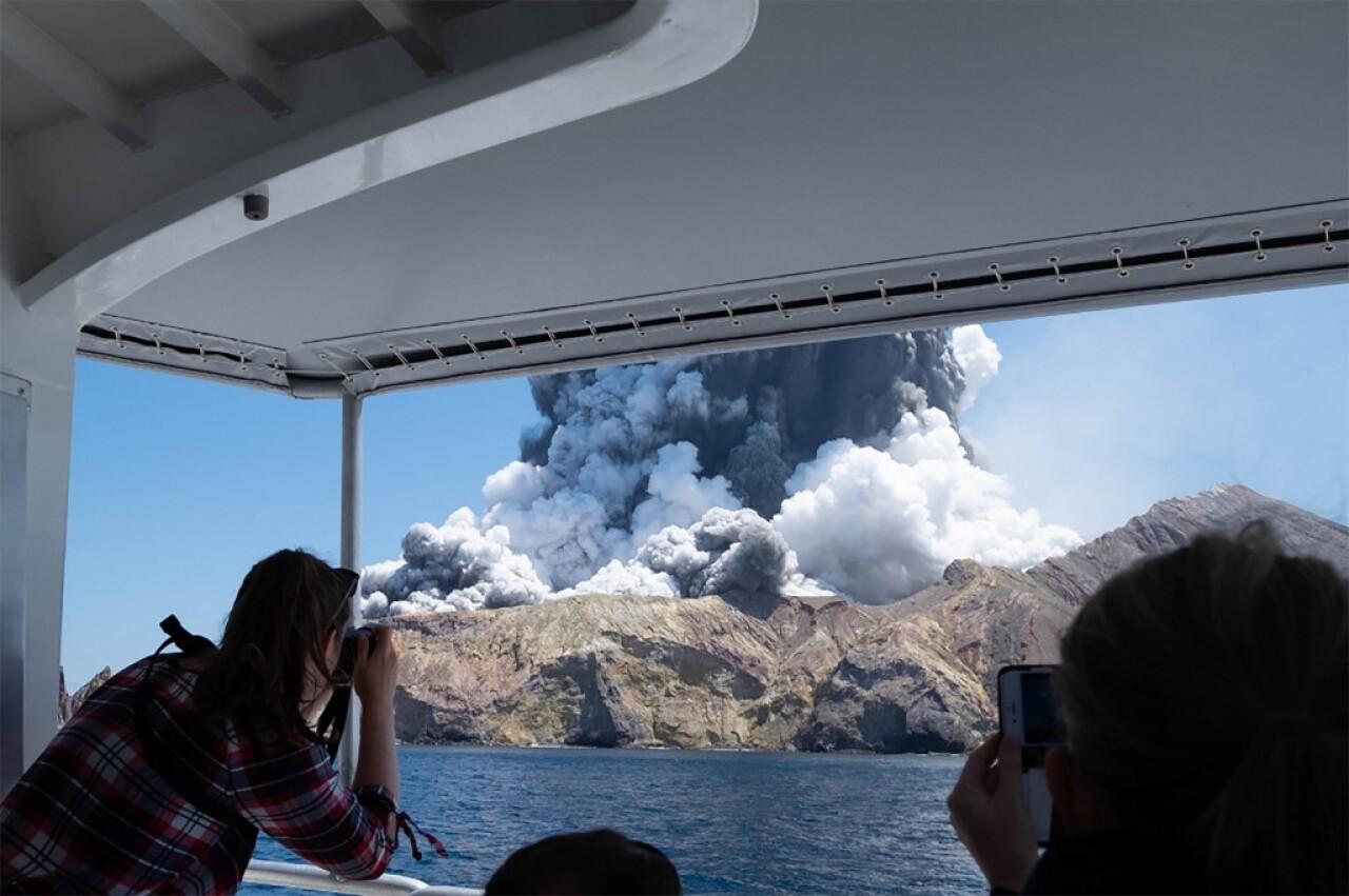 La erupción de un volcán en Nueva Zelanda provoca al menos cinco muertos