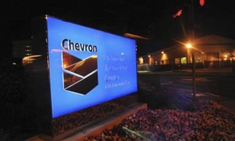 Las ganancias de Chevron cayeron 17% en sus negocios de producción de petróleo y gas.  (Foto: Reuters)